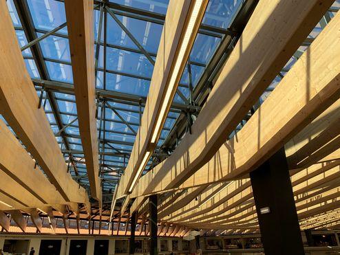 Construction hybride combinée avec panneaux 3 plis en bois massif binderholz © binderholz