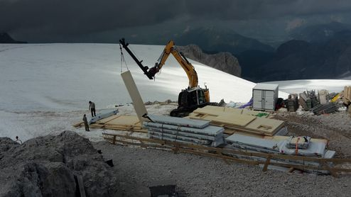 Construction site at an altitude 2,740 m © Alpenverein Austria