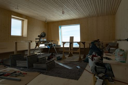 Construction work in the interior © Richard Goldeband