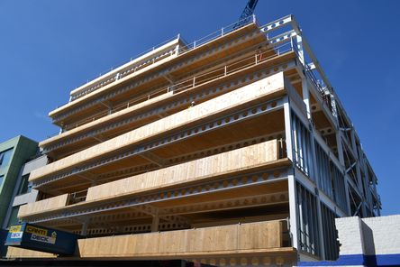 Massivholzbauweise mit Brettsperrholz BBS © binderholz