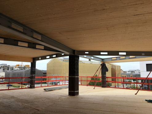 Die tragende Struktur und das Dachwurden mit Brettsperrholz BBS realisieren © binderholz