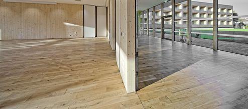 Übergang von dem Foyer in den Veranstaltungssaal © Retter Wolfgang