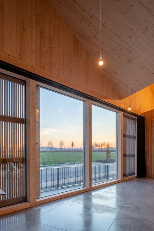 Neuer Tagungsraum aus Massivholz © Dieter Van Caneghem