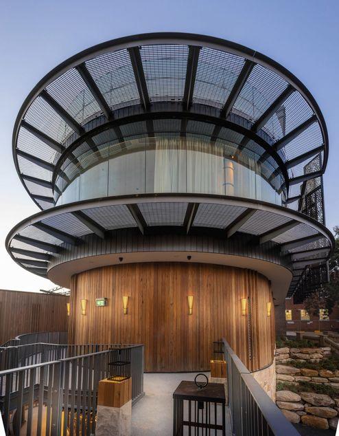 Außenansicht der Empfangslobby © cox architecture