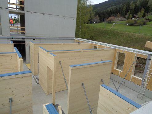 Montage der Brettsperrholz Elemente © Schafferer Holzbau GmbH