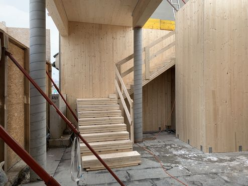 Stiegenhaus aus Brettsperrholz BBS © Karl Mach Holzbau GmbH