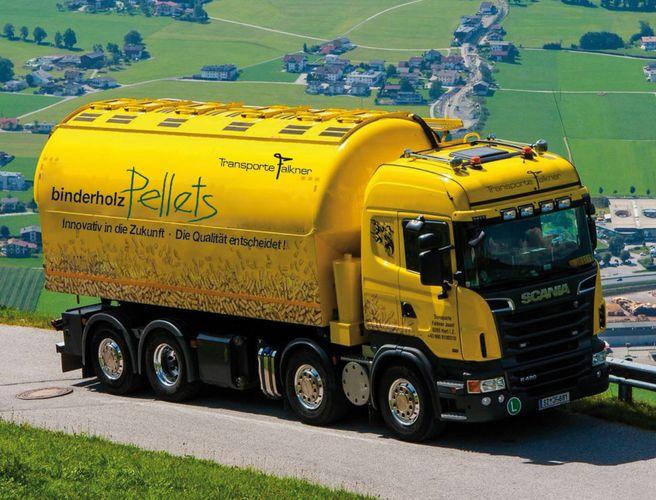 Pellets-Tankwagen © binderholz