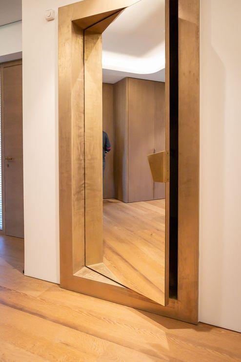 Spiegel im Eingangsbereich © becknaphoto
