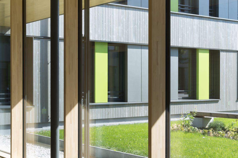 Große Fensterflächen mit Dreifachverglasung