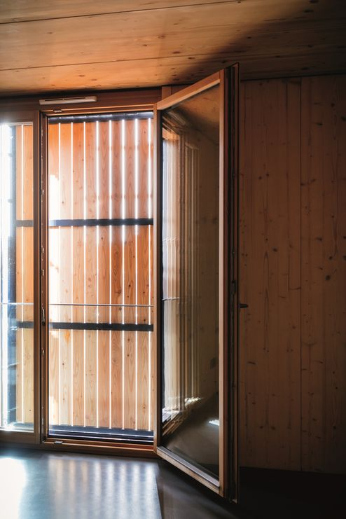 Pareti in legno lamellare binderholz e soffitto in elementi lamellare lamellare binderholz in qualità visiva © Manfred Jarisch, Bayerische Staatsforsten