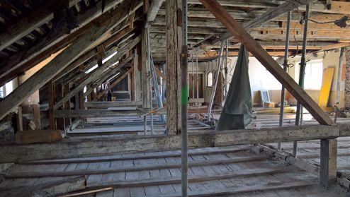 Abtragung des alten Dachstuhls © Gerhard Hauser, Alexander Schmid