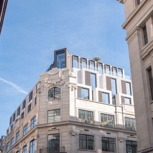 Aufstockung um drei Stockwerke © RED Construction Group