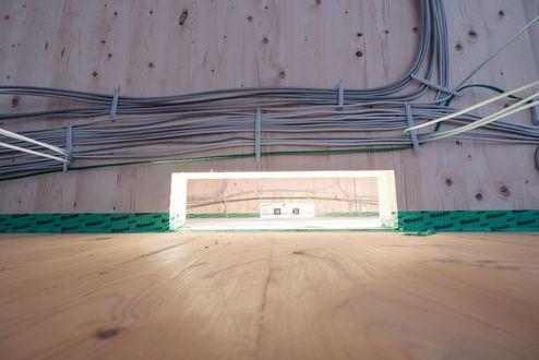 Montage des Heiz- und Kühldeckensystems © binderholz