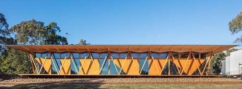 Neubau in Massivholzbauweise © Murray Fredericks