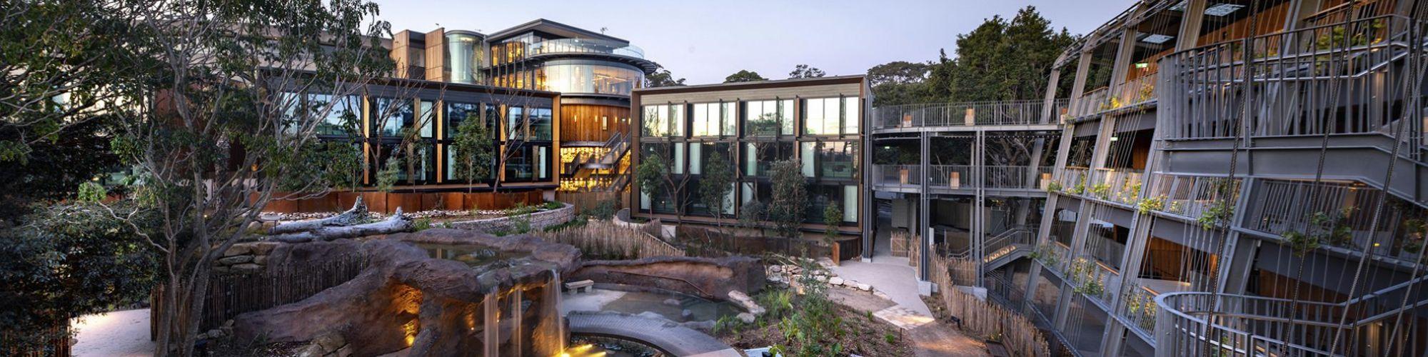 Gesamtansicht des Hotels © cox architecture