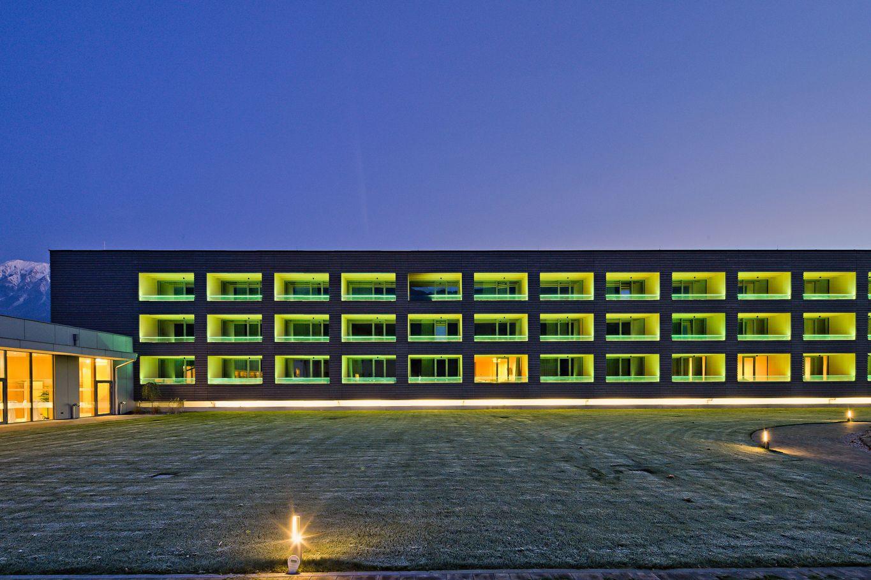 Hotel Der Reschenhof in der Dämmerung © Retter Wolfgang