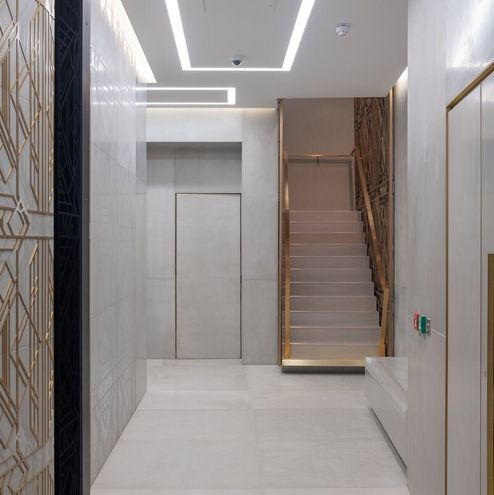 Eingangsbereich mit Blick auf die gesamten Ornamente © RED Construction Group