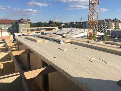 La struttura portante e il tetto sono stati realizzati con elementi binderholz X-LAM BBS © Bayerische Staatsforsten