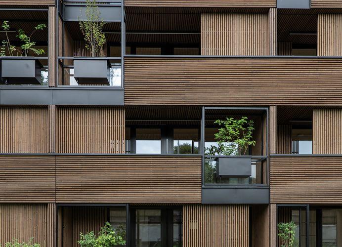 Fassadendetail mit verschiebbaren Elementen © Foto Gretter / Unterberger Immobilien