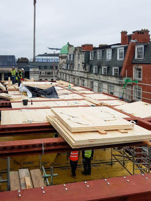 Massivholzdecken aus binderholz Brettsperrholz BBS © RED Construction Group